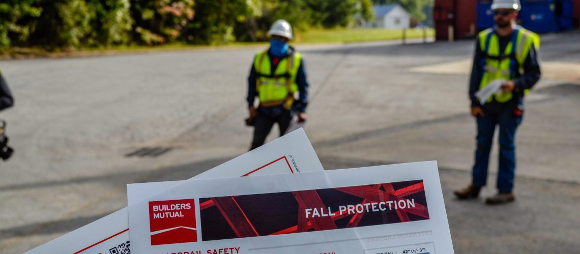 Commercial Roofing Safety Precautions Tips-1